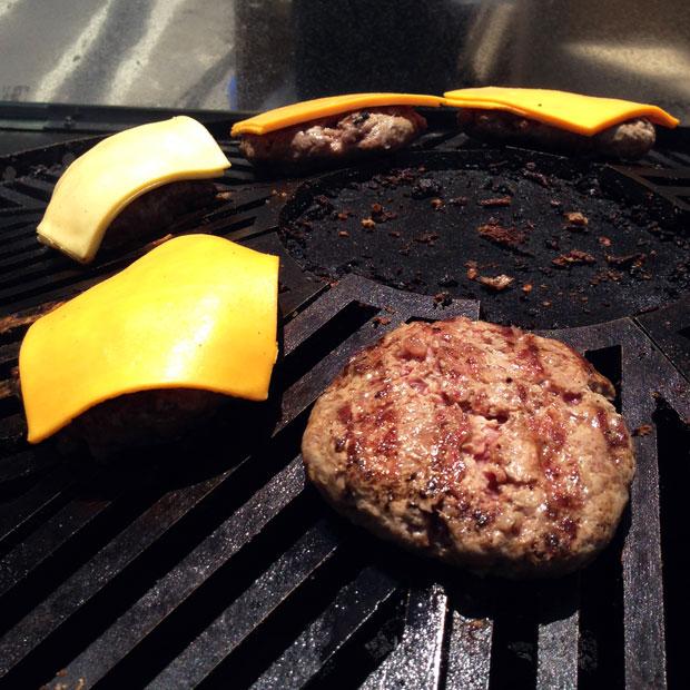 cnr14-burger