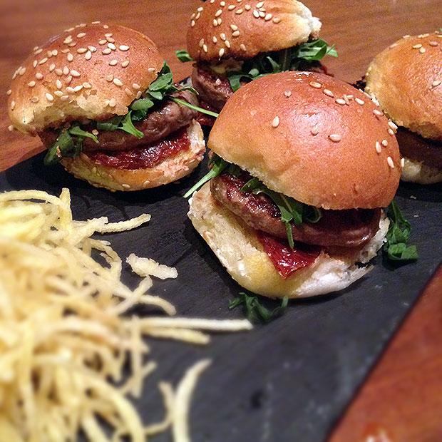 tb14-burgers