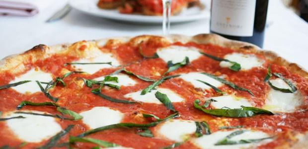 ag15-serafina-pizza