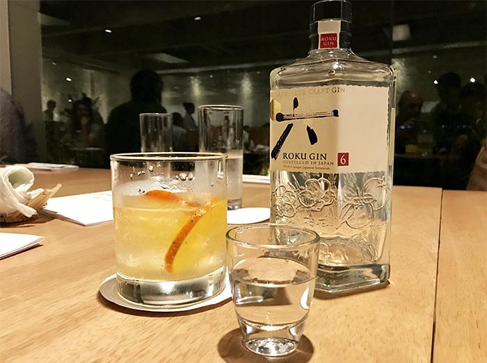 drinque feito com um gim japonês, o Roku Gin