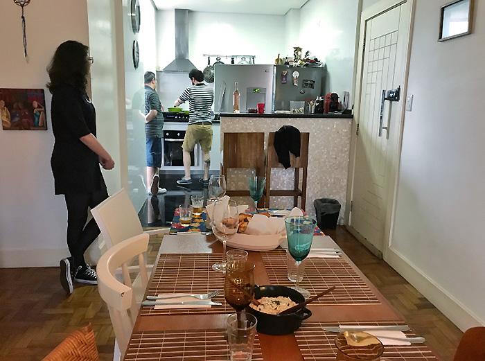 Comendo na casa dos outros